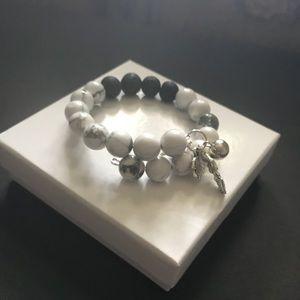 Jewelry - Howlite memory bracelet